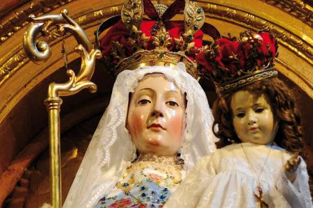 Figure de la statue de Notre-Dame du Bon Succès